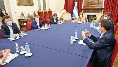 Diálogos. El jueves por la tarde, De Pedro, Massa y Moreau, con Ritondo, Negri y López.