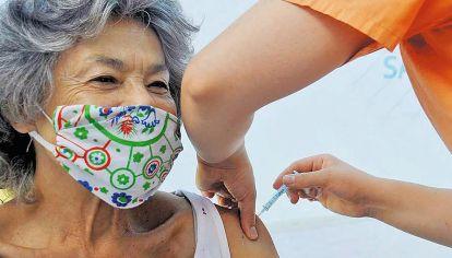 Hoy. Se vacuna a los consumidores, variante neoliberal del ciudadano.