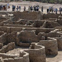 La fotografía muestra una vista de una ciudad de 3000 años, apodada El ascenso de Aten, que data del reinado de Amenhotep III, descubierta por la misión egipcia cerca de Luxor. - Los arqueólogos han descubierto los restos de una antigua ciudad en el desierto a las afueras de Luxor que, según dicen, es la    Foto:Khaled Desouki / AFP