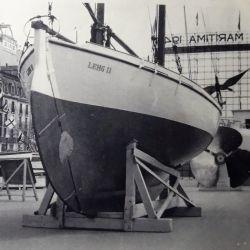 Fue la primera persona en el mundo en recibir el premio Slocum, el mayor reconocimiento internacional a la navegación en solitario.