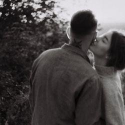 Sin dudas, los que más peligran son los besos casuales (y de saludo) en el cachete.