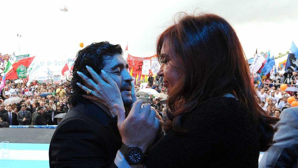 Cristina Kirchner junto a Diego Maradona