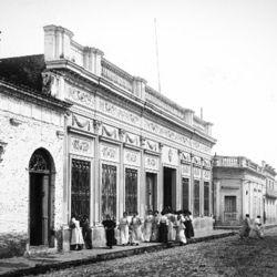 El nombre de la ciudad tuvo su origen en un pequeño altar en el hogar de los Aguiar, en devoción a San Nicolás de Bari