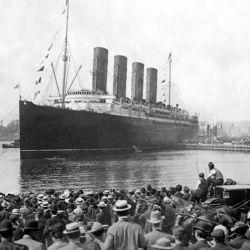 El Titanic contaba con botes salvavidas para unas 1.200 personas, pero había casi 2.224 a bordo.