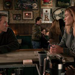 Kate Winslet y su notable interpretación de Mare, una detective rodeada de conflictos.