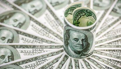 El dólar blue arrancó la semana arriba. En Rosario cotizaba $181 / $178.
