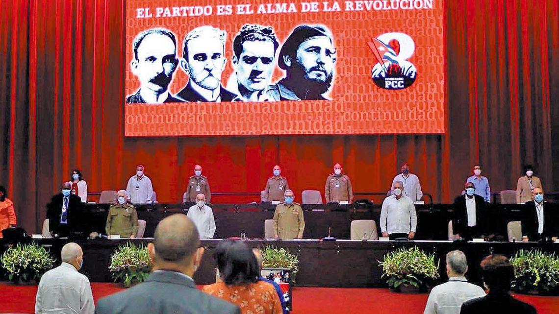 Cuba se asoma al fin de la dinastía de los Castro