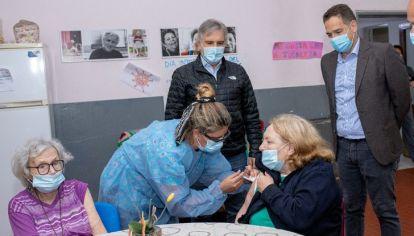 DESPLIEGUE. Llaryora con el Secretario de Salud, Ariel Aleksandroff. El Municipio baja a los barrios a controlar la pandemia.