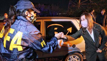 Supervisión. La ministra de Seguridad, Sabina Frederic, recorrió parte de los diez puestos que se montaron en la periferia de la Ciudad en coordinación con las autoridades del Gobierno porteño.