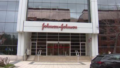 J&J. El lunes hubo contactos con representantes de la farmacéutica Janssen, compañia que elabora la vacuna de Johnson & Johnson.
