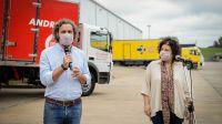 Cafiero y Vizzotti, supervisando el operativo de logística para la distribución de las vacunas del programa COVAX llegadas al país.
