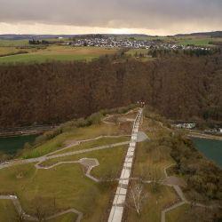 El risco de Lorelei, sobre el río Rin, alberga restos de antiguas fortificaciones precristianas (foto aérea de dron). Foto: Thomas Frey/dpa