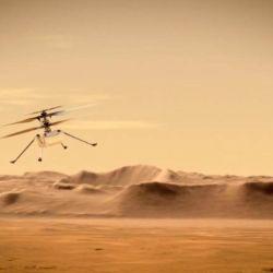 La sombra del dron sobre el suelo es la prueba más clara de que la aeronave levantó vuelo.
