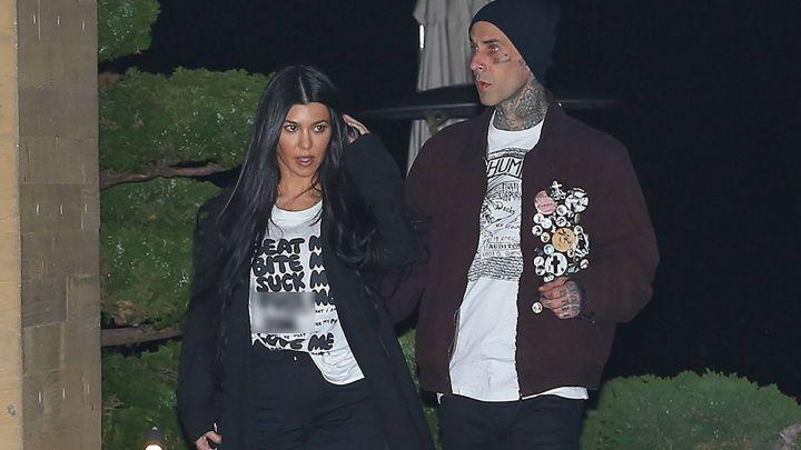 Subido de tono: filtran un video de Kourtney Kardashian con su novio, Travis Barker
