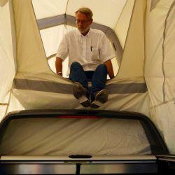 Sobre el techo de la 4x4 se ubica la zona para dormir, donde sin ningún problema entra un colchón de tamaño familiar.