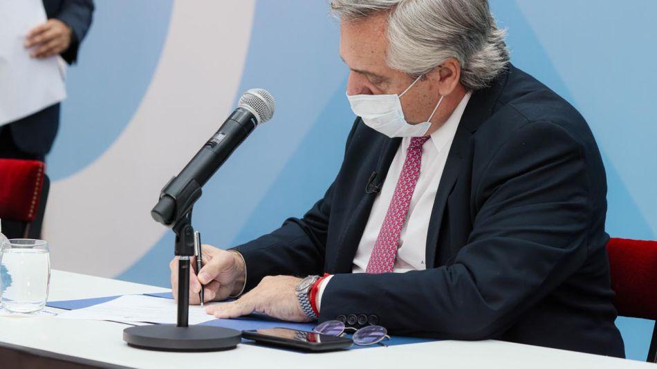 Alberto Fernández Créditos 20210420