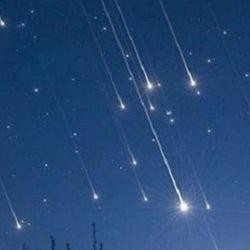 El fenómeno se produce cuando la órbita de la Tierra se acerca a la zona de desechos que deja, a su paso, el cometa Thatcher.