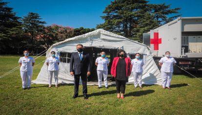 Las fuerzas armadas emplazaron los 13 módulos del hospital reubicable donado por China en febrero en González Catán.