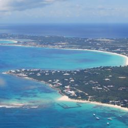 La caribeña isla de Anguilla cierra sus puertas al turismo al descubrir un caso de Covid-19 entre sus habitantes.