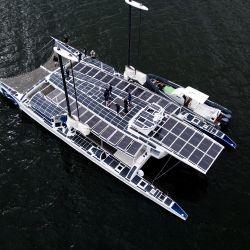 El Energy Observer, el primer buque marítimo propulsado por hidrógeno que gira alrededor del mundo, llega a Long Beach, California. | Foto:Ringo Chiu / AFP