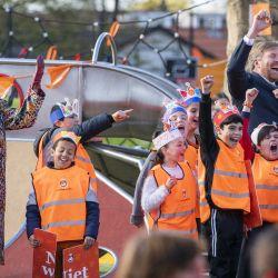 El rey Willem-Alexander y la reina Maxima de los Países Bajos asisten a la inauguración nacional de los Juegos del Rey en el Centro Infantil Butterfly en Amersfoort, Holanda Central. | Foto:Jeroen Jumelet / ANP / AFP