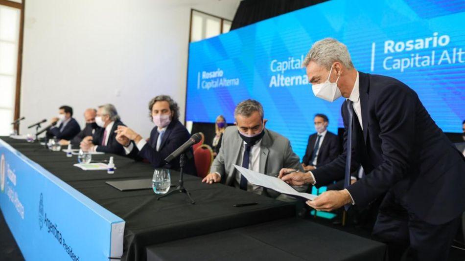 La foto que tuiteó el ministro Mario Meoni en Rosario se convertiría en su última imagen antes del accidente que le costó la vida.