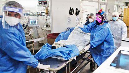 Datos. El informe de la Sociedad Argentina de Terapia Intensiva reporta pacientes de 40 a 45 años.