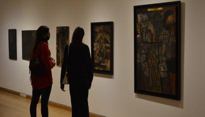 EXPERIENCIA FILOSÓFICA. Las pinturas del artista podrán verse de manera presencial hasta julio en el museo Evita.