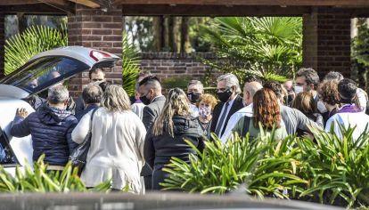 Caravana y adiós. Alberto Fernández, Sergio Massa y gran parte del gabinete fueron a Junín al entierro.