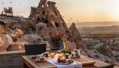 Capadocia, una de las joyas de Turquía que espera a los turistas con los brazos abiertos.