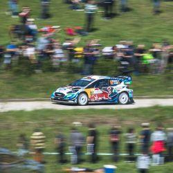 Adrien Fourmaux de Francia y su copiloto Renaud Jamoul de Bélgica conducen su Ford Fiesta MK ll durante la 12a etapa del Rally de Croacia, tercera ronda del Campeonato del Mundo de Rallyes de la FIA en Novigrad na Dobri, cerca de Zagreb. | Foto:Andrej Isakovic / AFP