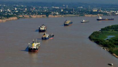 En Rosario, un centro clave de envíos de Argentina en el Paraná, donde grandes barcos cargan las exportaciones de cultivos antes de dirigirse al océano Atlántico, se espera que los niveles de agua caigan a aproximadamente 1,17 metros esta semana