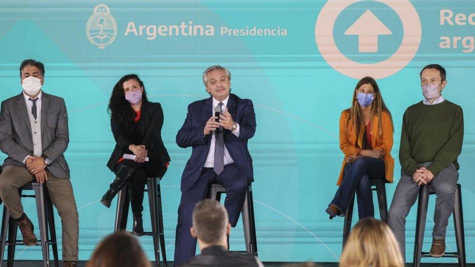 Alberto Fernández con la cultura y espectáculo 20210427