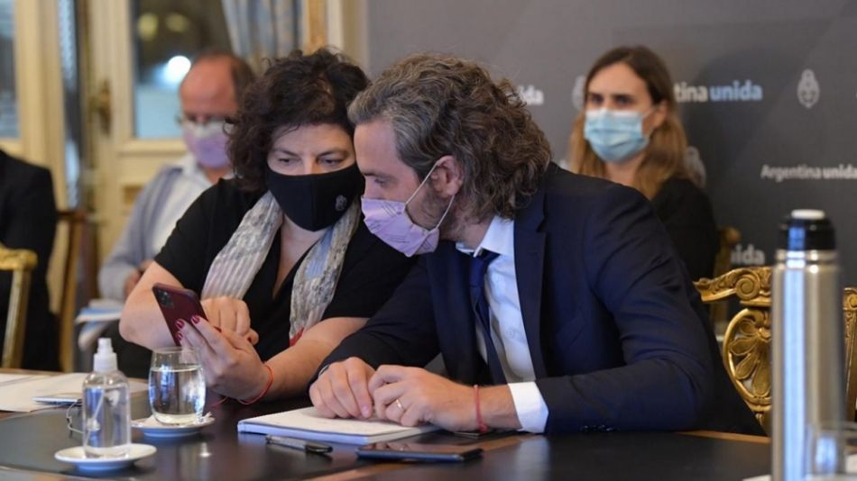 La ministra de Salud Carla Vizzotti con el jefe de Gabinete Santiago Cafiero.