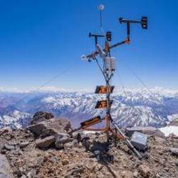 La estación se encuentra a 6.505 metros sobre el nivel del mar.i{on