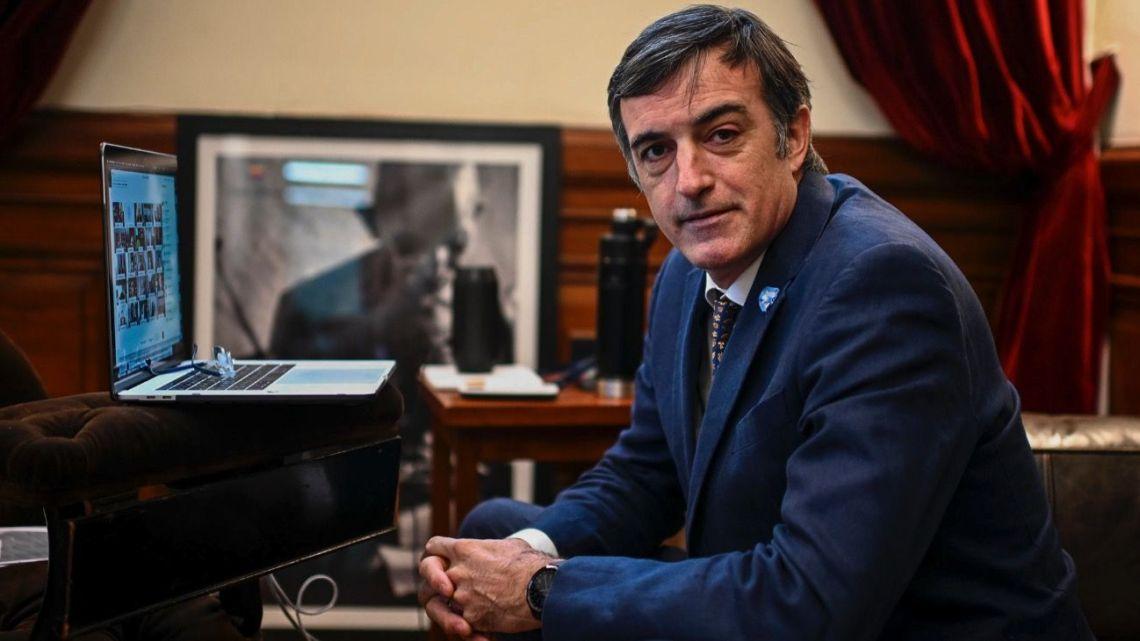 Senator Esteban Bullrich.