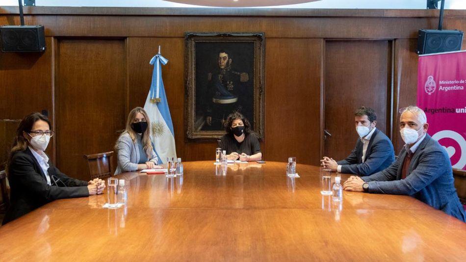 representantes de Astrazeneca Argentina 2021044428