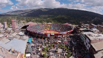 Chota, en la región central de Perú, tiene una plaza de toros activa y un clima con gran amplitud térmica.