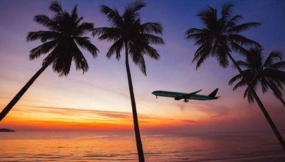 Los argentinos volveríamos a hacer viajes internacionales a partir de agosto de este año y el 2022 será un gran año para el turismo.