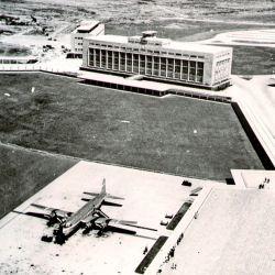 El objetivo central de su construcción era dotar a la Capital Federal de un aeropuerto nacional e internacional,