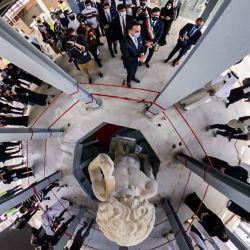 Esta imagen muestra el pabellón italiano en el emirato del Golfo desde arriba mientras el Ministro de Relaciones Exteriores italiano Luigi Di Maio asiste a una ceremonia celebrada para develar una copia impresa en 3D de la estatua del David de Miguel Ángel en los Emiratos Árabes Unidos. | Foto:Massimo Sestini / Pabellón de Italia para la Expo 2020 Dubai / AFP