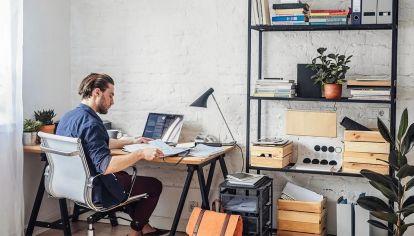HOME OFFICE. Con la llegada de nuevas restricciones por la segunda ola, crece esta modalidad de trabajo en el país.