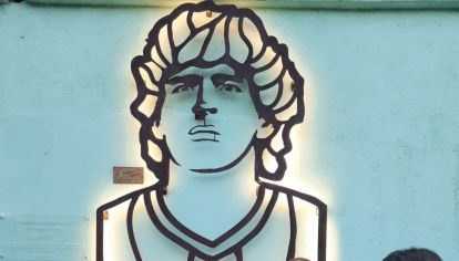 Homenaje diego Maradona iluminado g_20210501