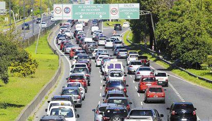 Congestión. Se formaron colas de hasta 12 km de extensión.