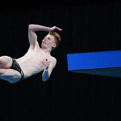 Jaden Eikermann Gregorchuk de Alemania compite en la plataforma masculina de 10 metros en la Copa del Mundo de Buceo FINA, que también funciona como evento de prueba para los Juegos Olímpicos de Tokio 2020, en el Centro Acuático de Tokio.   Foto:Charly Triballeau / AFP