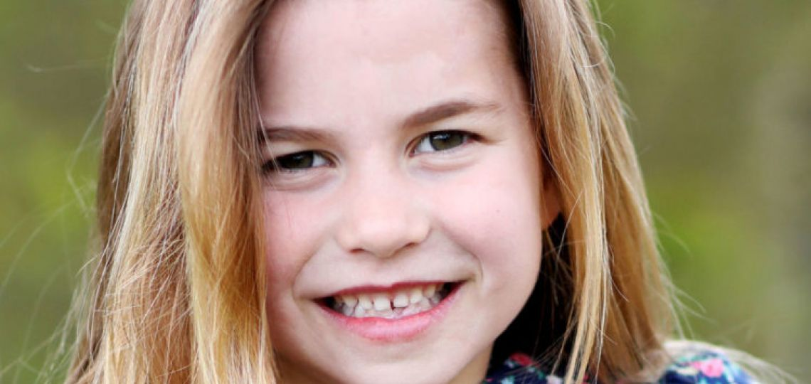 Con el motivo de celebrar su sexto cumpleaños la Princesa Charlotte cambió su look