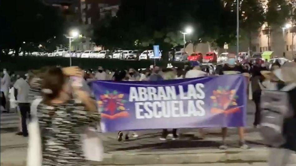 manifestación monumento a la bandera 20210504