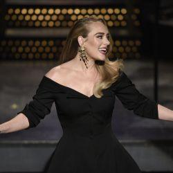 ¡Irreconocible! Adele celebró sus 33 cumpleaños al natural y sin retoques