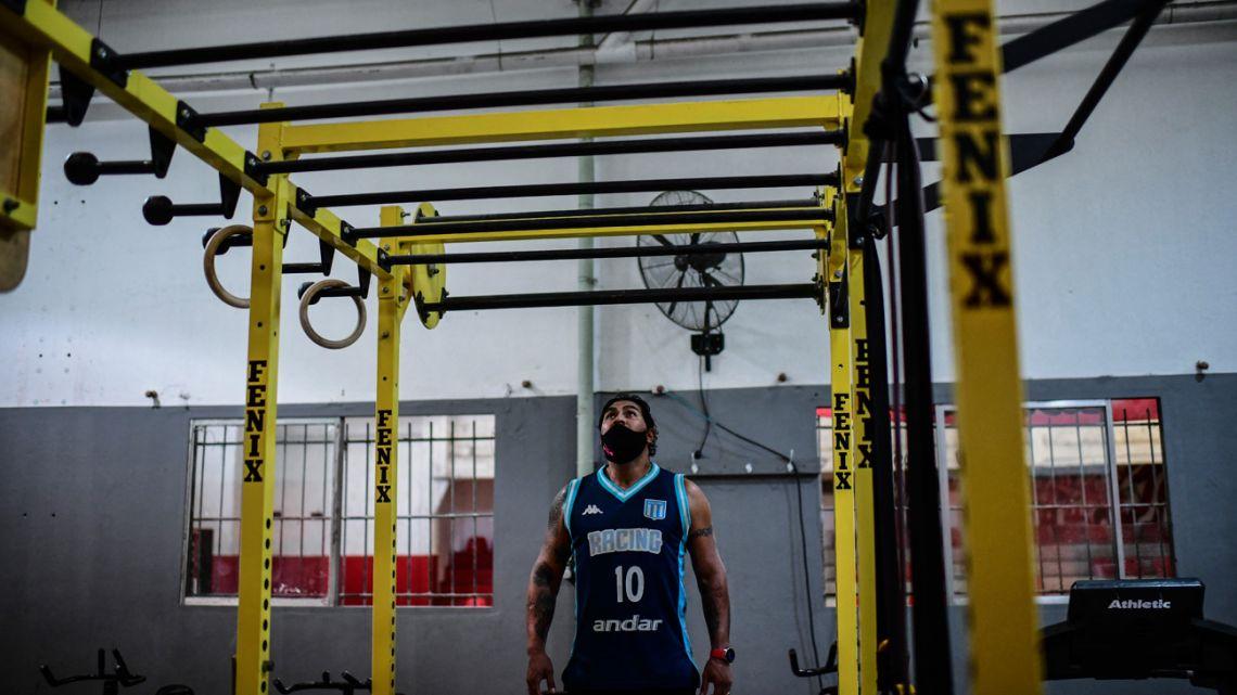 Covid-19 survivor Raúl Gutiérrez - who spent several months in an intensive care unit of a hospital - trains at his gym in Lanús, on April 21, 2021.