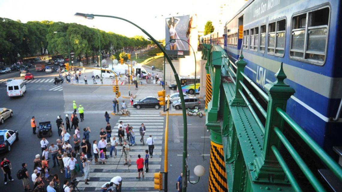 Linea San Martín.